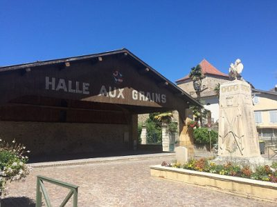 Halle aux grains de Martres-Tolosane